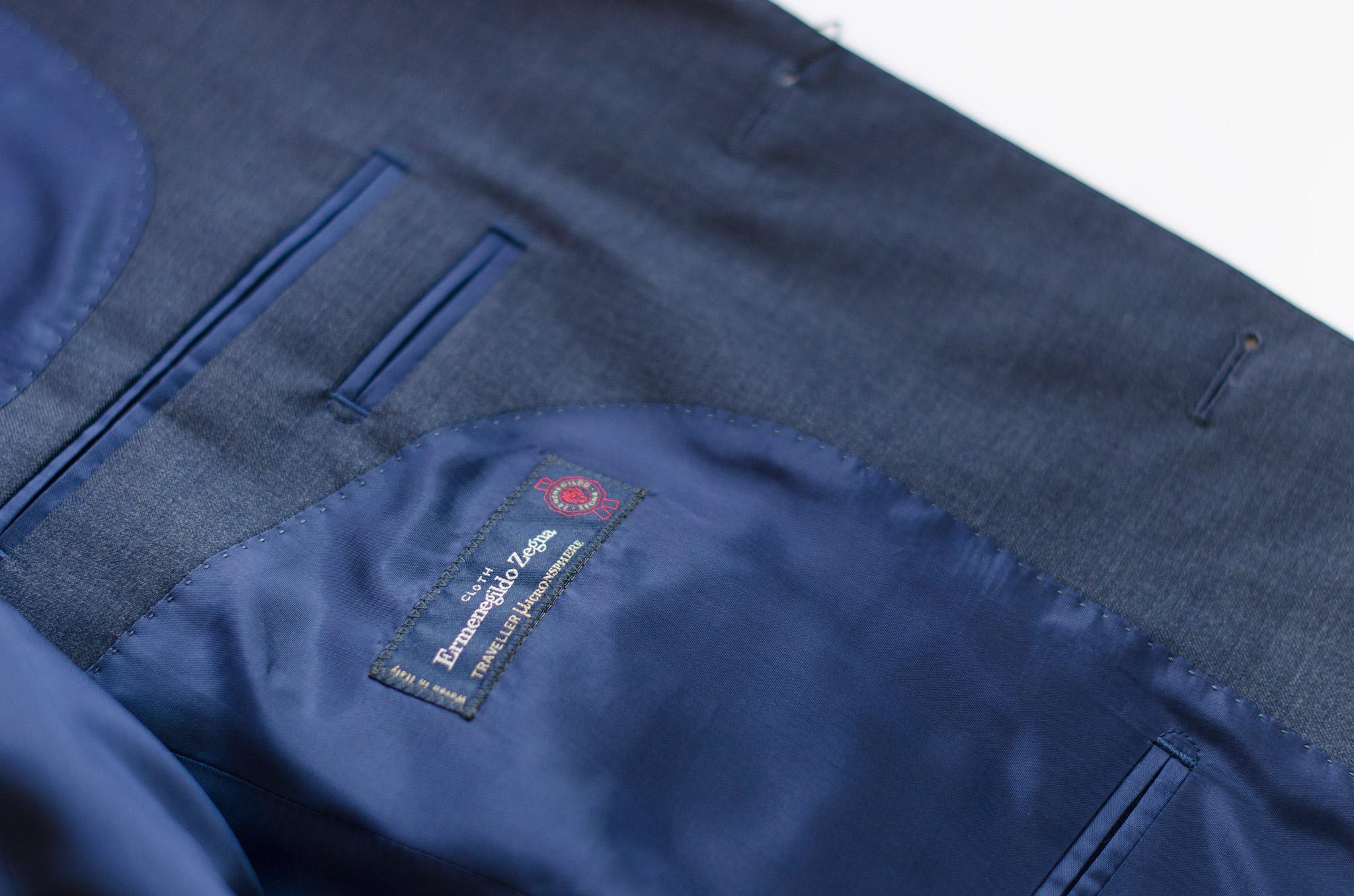 Blå dress i stoffet Ermenegildo Zegna Traveller Microsphere. Menswear Oslo og Trondheim