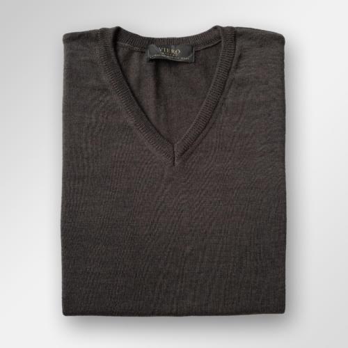 Mørkebrun v-hals genser i merinoull fra Viero Milano