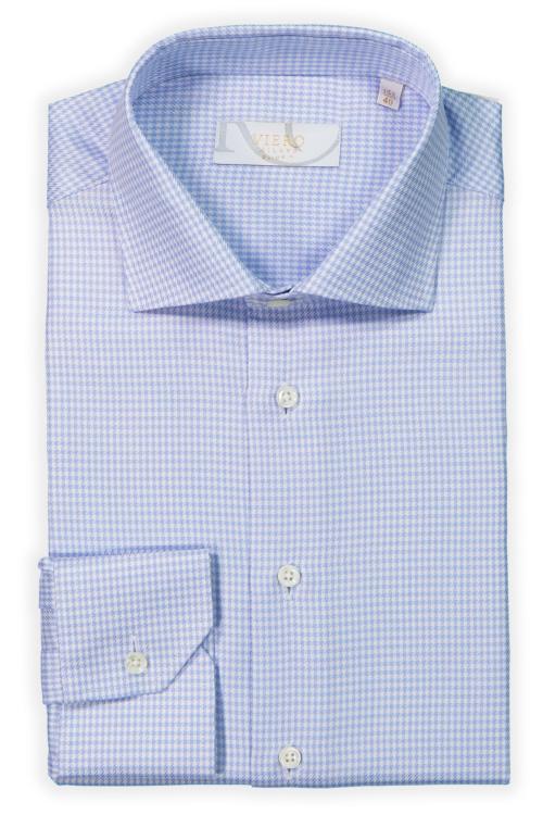 Lyseblå og hvit skjorte med diskret mønster. Menswear Tjuvholmen, Hegdehaugsveien, Lysaker og Trondheim