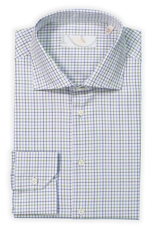 Hvit skjorte med grønne og blå ruter.