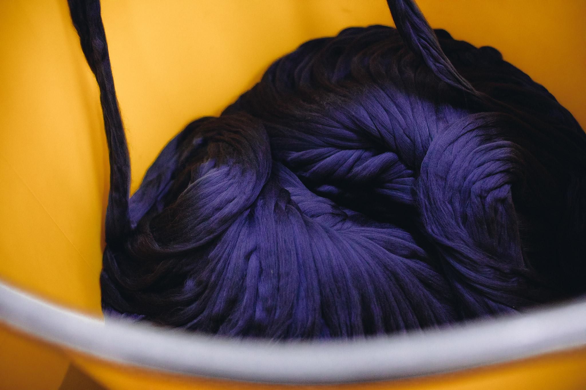 Ull som skal bli til en blå dress hos vår leverandør Cerruti i Biella, Italia.