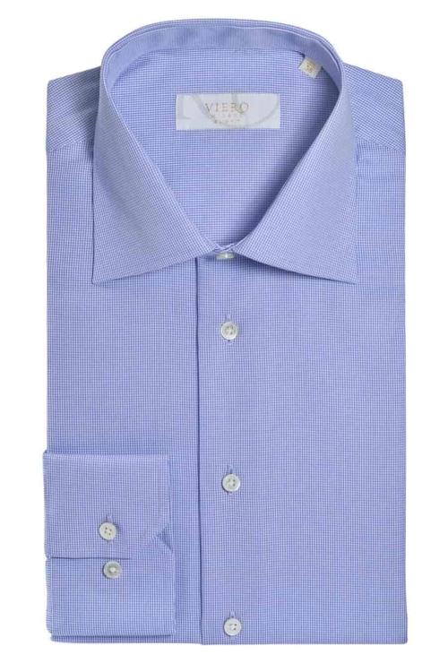 Skjorte med lyse blått mønster