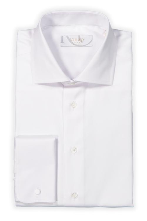 hvit skjorte med dobbel mansjett
