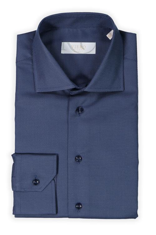 mørkeblå skjorte med hvite prikker