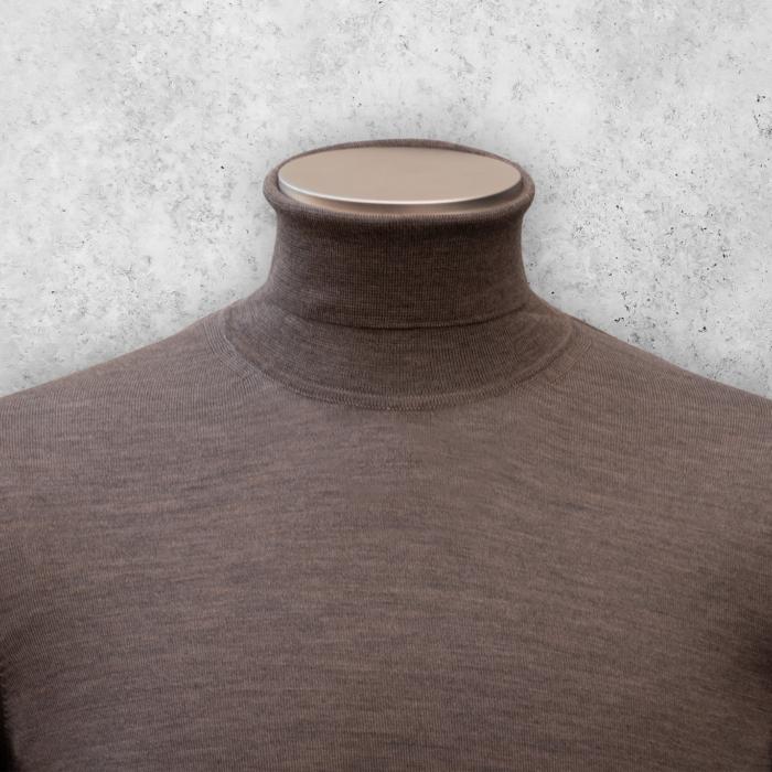 Brun genser med høy hals fra Viero Milano