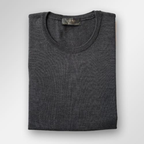Koksgrå genser i merinoull fra Viero Milano. Rund hals.