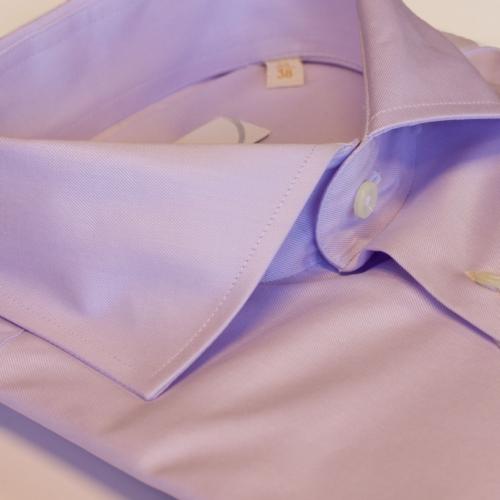 Lys lilla ensfarget skjorte fra Viero Milano