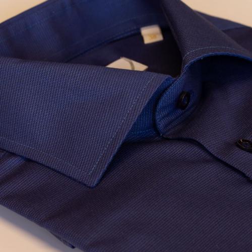 Mørkeblå skjorte med struktur fra Viero Milano