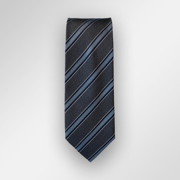 Grått slips med striper fra Viero Milano. Passer fint til en hvit skjorte.