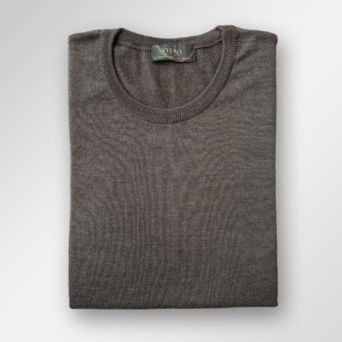 Mørkebrun genser i merinoull fra Viero Milano. Menswear Tjuvholmen