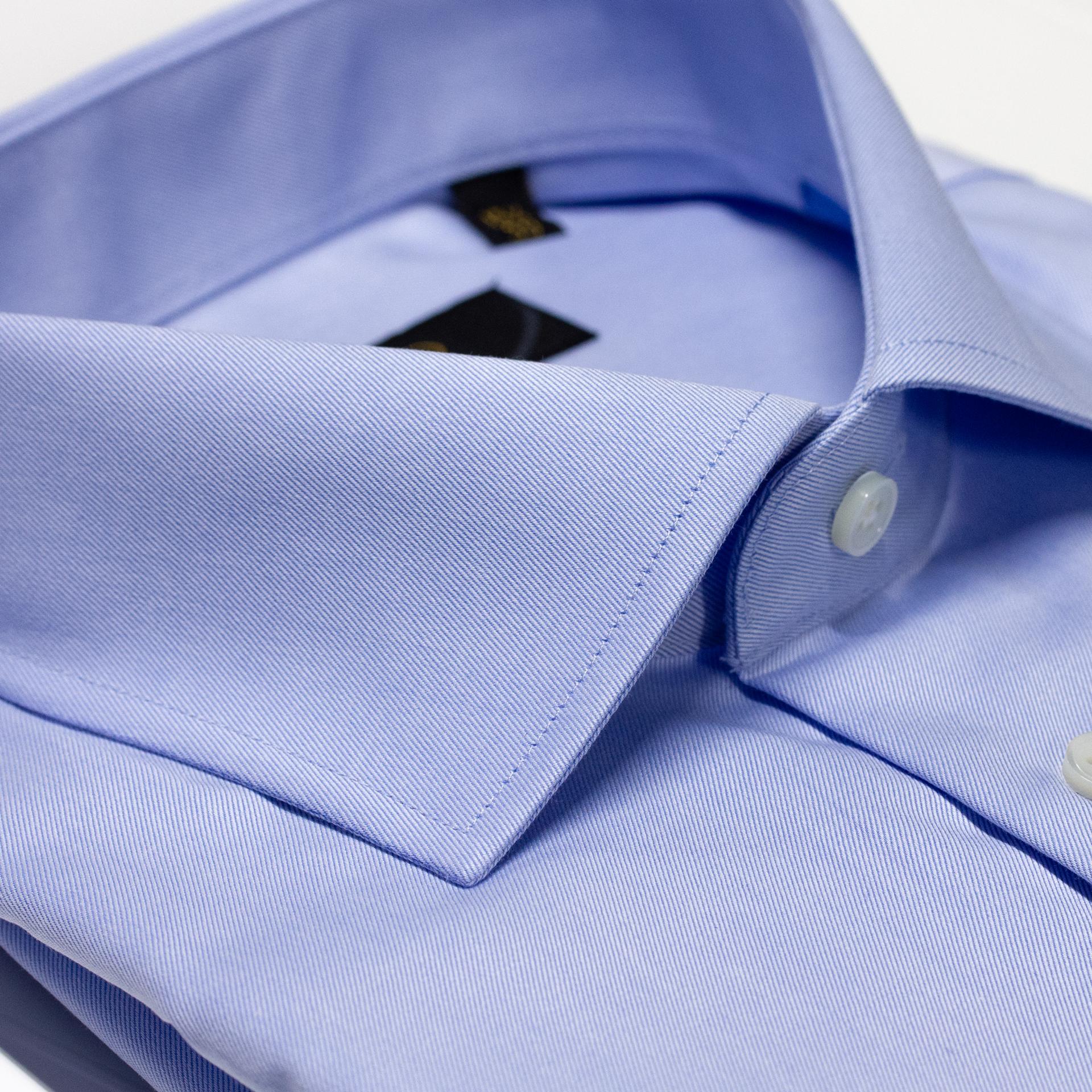 Lyseblå skjorte med hvite striper i 2 ply bomull. Classico